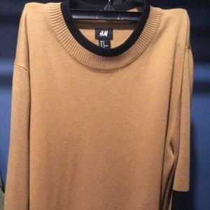 HM tan sweater with black colorblocking/two tone